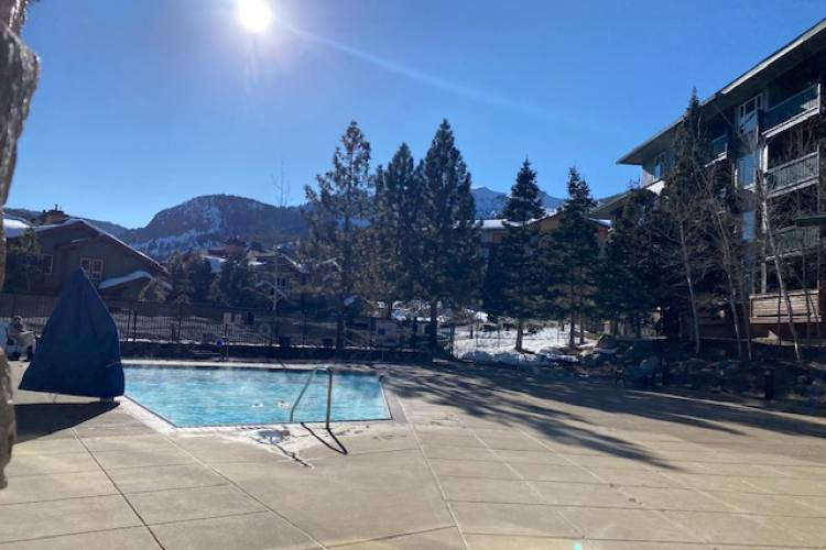 Pools in Mammoth